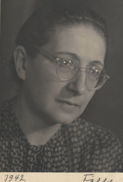Dr Elizabeth Eylenburg